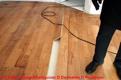 Laminate Floor Formaldehyde Gas Outgassing Hazards: Tests