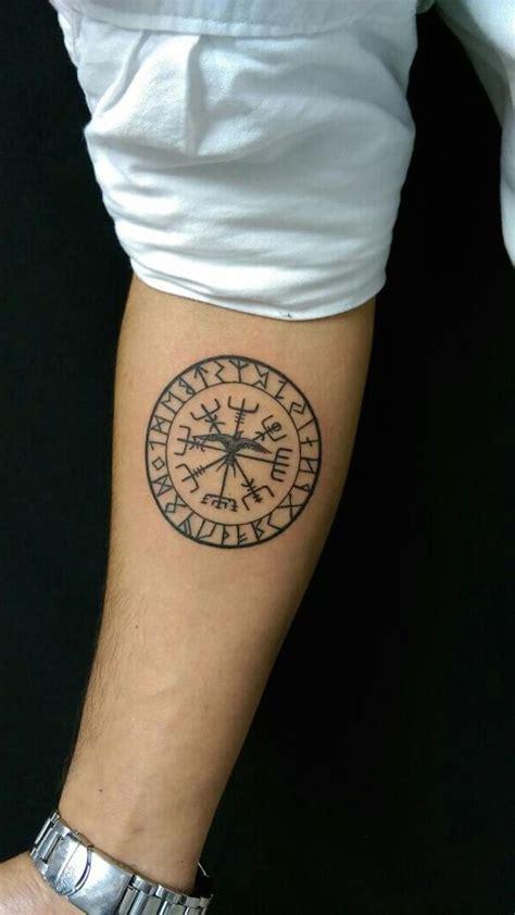 coole und realistische viking tattoos zum inspirieren