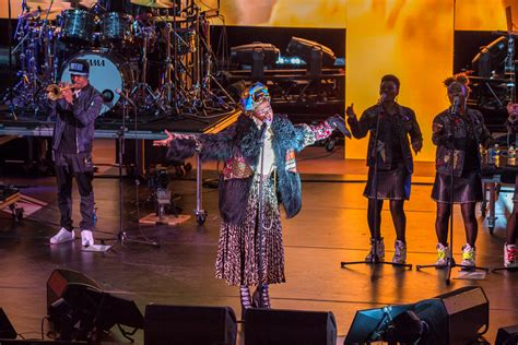 lauryn hill red rocks review lauryn hill is still miseducating after 20 years