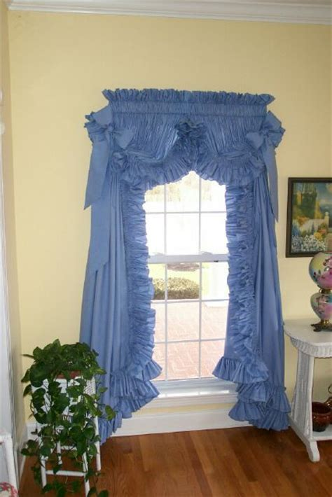 ruffled country curtains 1000 images about curtains on pinterest priscilla