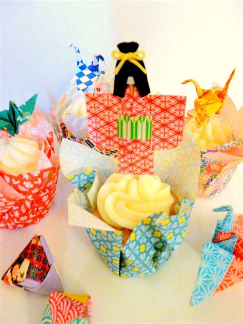 How To Make Paper Cups For Cupcakes - make origami paper cupcake liners dollar store crafts