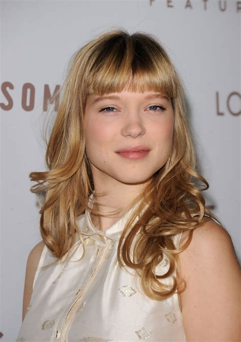 lea seydoux bangs lea seydoux medium curls with bangs shoulder length