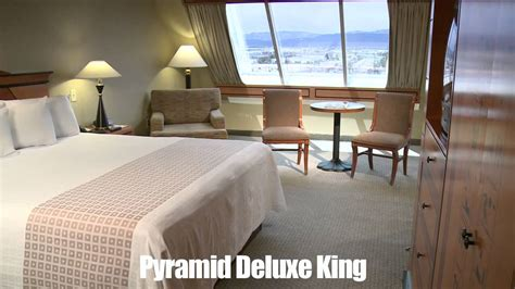 luxor king room rooms luxor hotel casino pyramid deluxe king