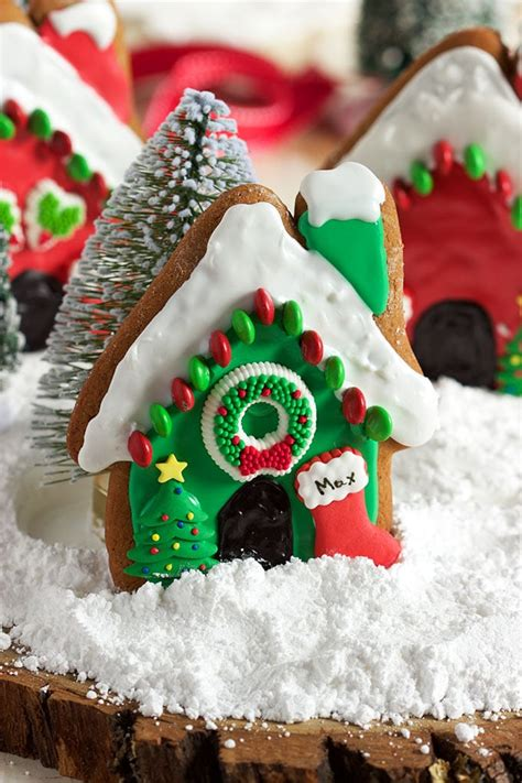 gingerbread dog house easy gingerbread dog houses the suburban soapbox
