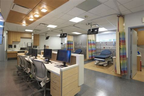 emergency room nyc new emergency room opens at mount sinai astoria dnainfo new york