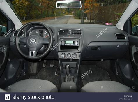 Voiture De Ville 5 Portes by Volkswagen Polo 1 6 Tdi Ma 2009 Silver 5 Portes 5d