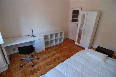 rooms available near me spacious single rooms near city centre and cus room for rent lisbon