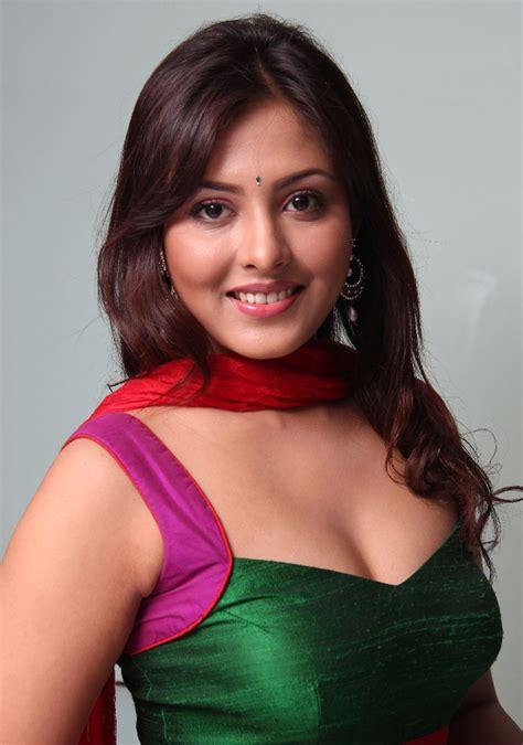 actress shalini father name madhu shalini wiki biography dob age height weight