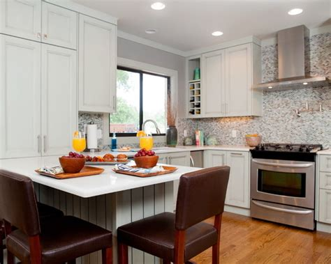 17 Functional Small Kitchen Peninsula Design Ideas   Style