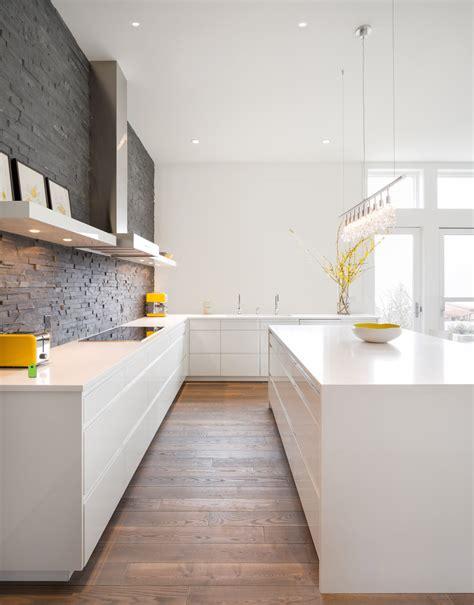 pavimento in legno in cucina 100 idee di cucine moderne con legno colori idee e