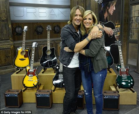 Keith Urban Guitar Giveaway - keith urban appears on hsn to sell his guitars daily mail online