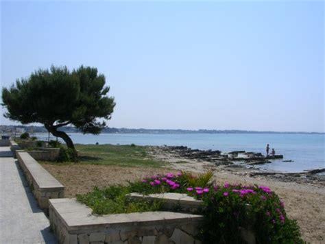 centro porto cesareo foto spiaggia al centro di porto cesareo immagine porto