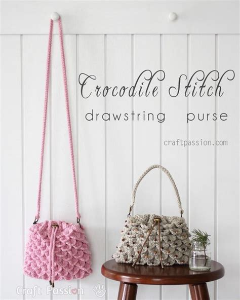 Slingbag Trico crocodile stitch drawstring purse free crochet pattern