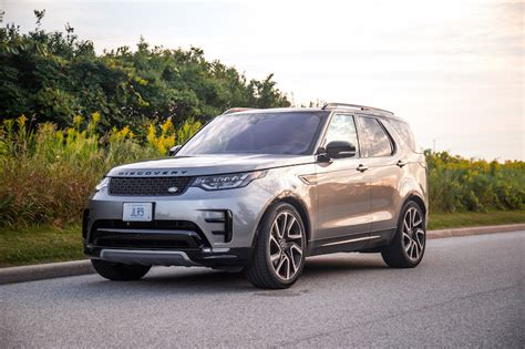 discovery land rover 2017 black review 2017 land rover discovery hse si6 canadian auto