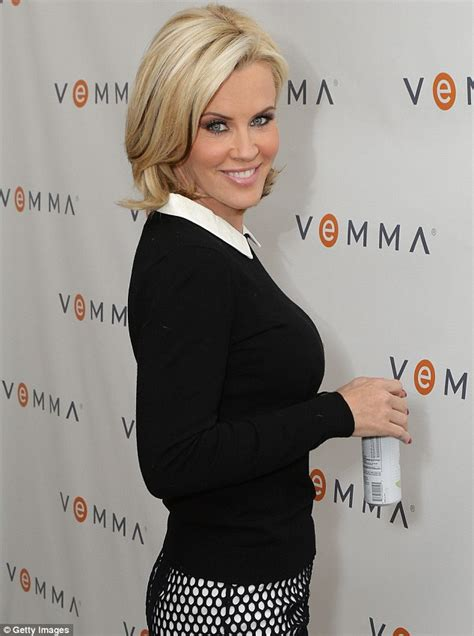 does jenny mccarthy have hair extensions does jenny mccarthy wear hair extensions on her show donny