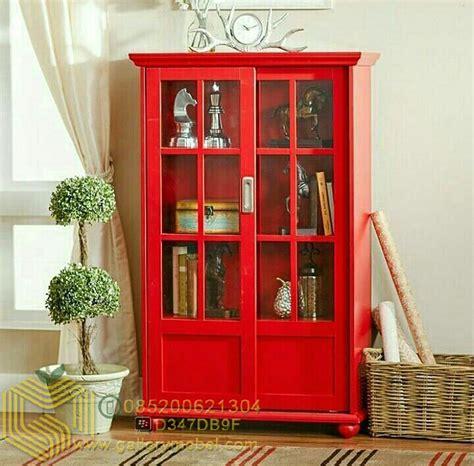 Lemari Rak Pajangan Display Cabinet Kaca 2 Pintu Besta lemari pajangan minimalis pintu sliding gallery mebel