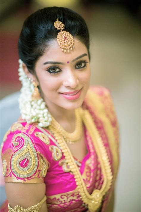hairstyle for square face on saree 262 best makeup images on pinterest