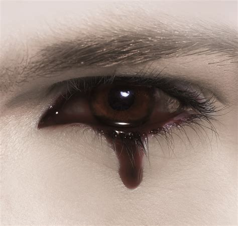 imagenes ojos con lagrimas de sangre the mysteries of my mind abril 2012