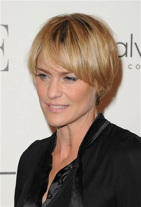 how to cut robin wright haircut more pics of robin wright layered razor cut 5 of 13
