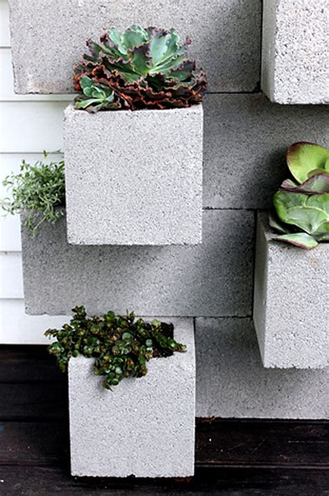 Cinder Block Wall Planter by Before After Cinder Block Planter Bar Design Sponge