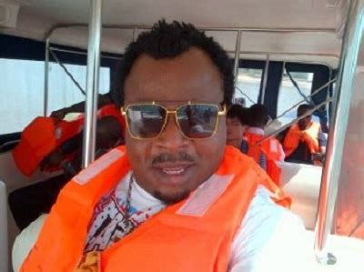 dede noe day see photos of celebrities who attended dede one day s burial