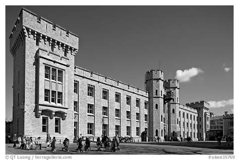the jewel house black and white picture photo the jewel house housing the crown jewels tower of london