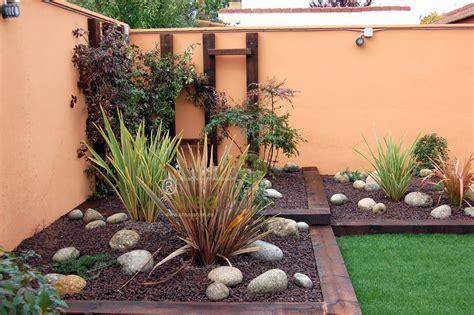 jardines con poco mantenimiento foto jard 237 n de bajo mantenimiento de creajardin 436773