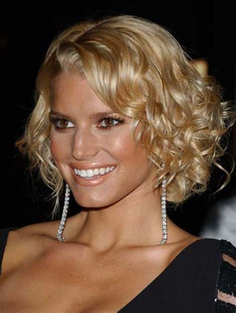 how to curly a short bob hairstyle short cuts for curly hair short hairstyles 2016 2017