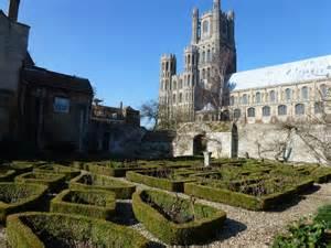 Garden Ely Walled Garden Near Ely Cathedral 169 Richard Humphrey Cc By