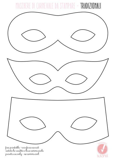 Maschere di Carnevale semplici, con carta e fantasia.