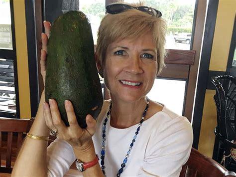 Berapa Bio Di Guardian seorang wanita temukan alpukat raksasa di hawaii berapa