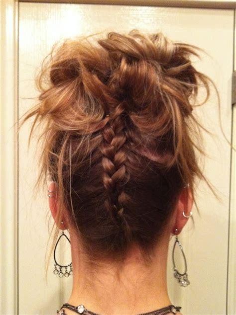 how to do an upside down french braid bun upside down french braid to messy bun hairdos curls