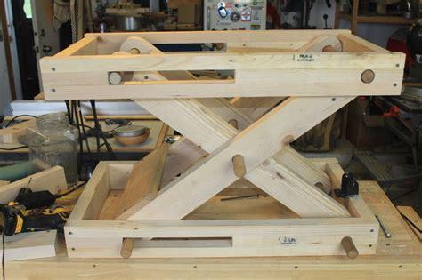 scissor bench adjustable height motorized workstation deutsch