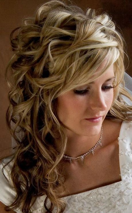 Wedding Hairstyles For Shoulder Length Hair With Veil by Shoulder Length Bridal Hairstyles