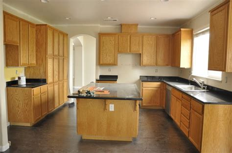 Kitchen Wall Colors With Honey Oak Cabinets Color Dilemma