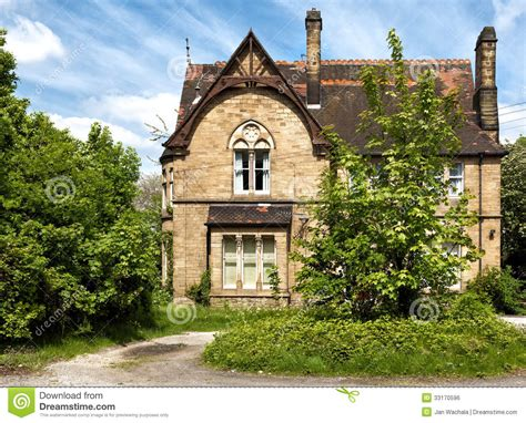kingdom house a typical english house with garden stock photo image of england park 33170596
