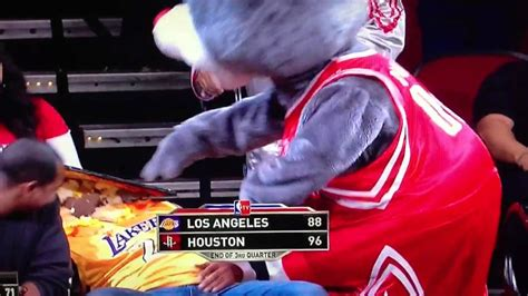 houston rockets clutch fans clutch the rockets mascot throws cake at laker fan youtube