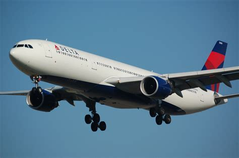 Delta Airlines R by File Delta A330 Jpg