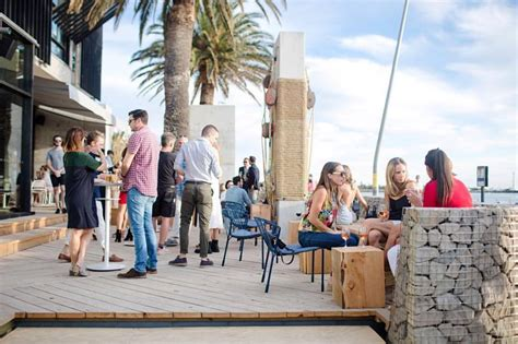 pontoon st kilda guide to the bars pubs and clubs of st kilda