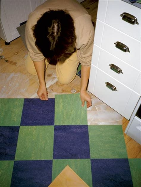how to lay linoleum tile house