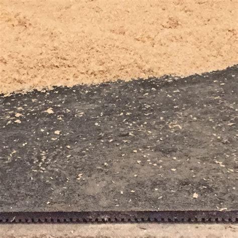 pavimenti in gomma per cavalli pavimentazione tecnica in gomma per scuderie e stalle