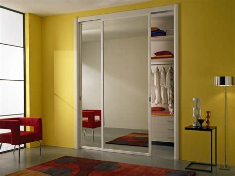 porta specchio scorrevole porta scorrevole in vetro a specchio miria by gidea