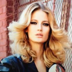 easy hairstyles for 70 25 best ideas about disco hairstyles on pinterest disco fashion disco costume and 70s hair