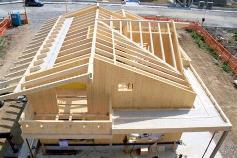 costo costruzione casa al grezzo prefabbricate in legno a telaio o xlam legno clima