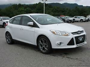 pics for gt 2014 ford focus sedan white