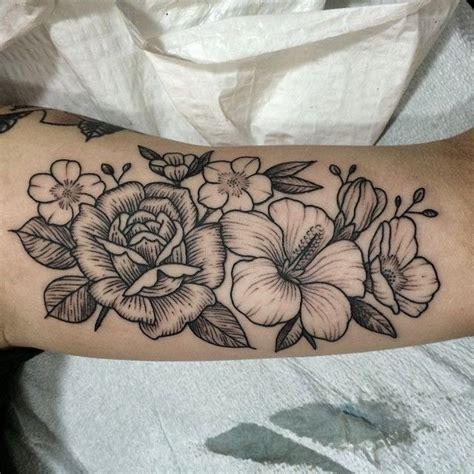 flower tattoo guy 25 best ideas about flower tattoos on pinterest pretty