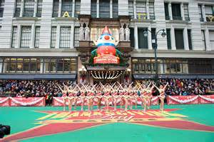 thanksgiving day parade tv 10 helium filled facts about the macy s thanksgiving day