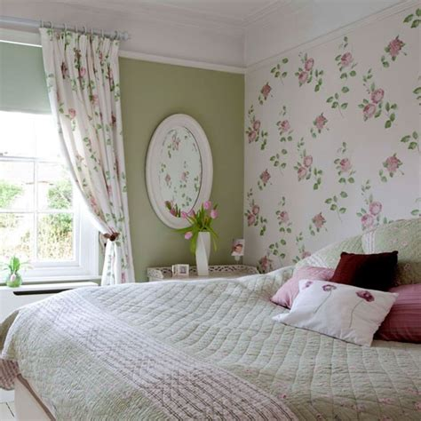 Matching Bedroom And Bathroom Sets by Matching Wallpaper And Shower Curtains Wallpapersafari