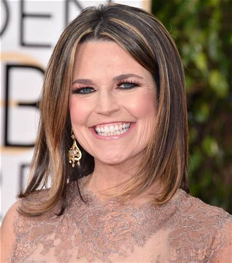 savannah guthrie hair color golden globes 2016 makeup matching eye shadow to dress