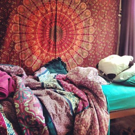 hippie bedroom on